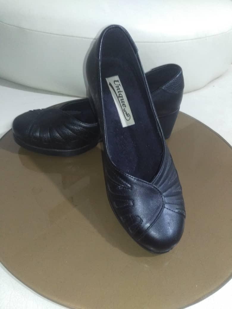 کفش مشکی سایز 39 با کفی طبی
